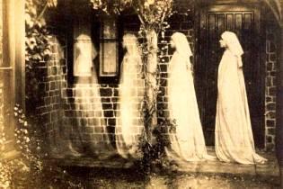 Фото: призраки с того света — интересные факты