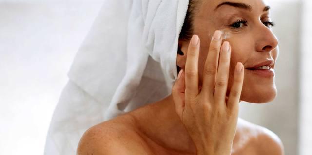 Уход за кожей лица в течение дня