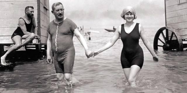 Купальник - как появилась пляжная одежда