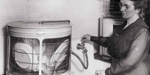 Джозефина Кокрейн - женщина которая изобрела посудомоечную машину