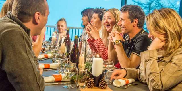 Традиции гостеприимства: Какие народы любят приглашать гостей?