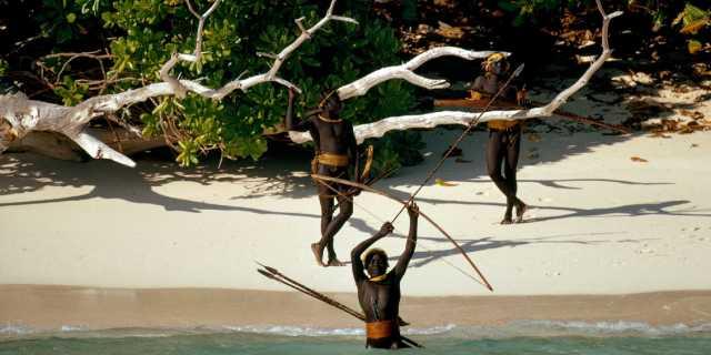 Сентинельцы: Самое дикое племя на планете