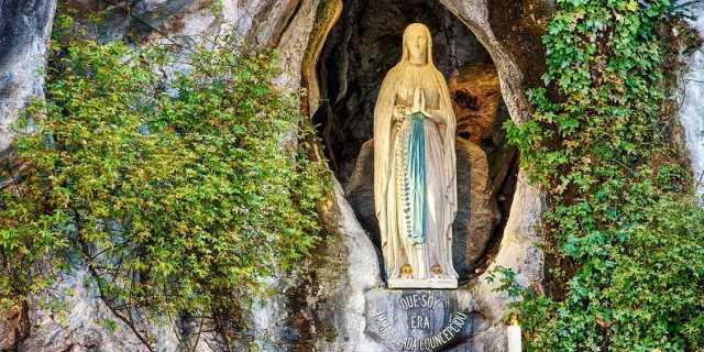 Бернадетта Лурдская: Святые места Франции (Лурдская Божья матерь)