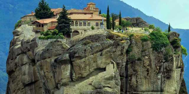 Парящие монастыри Метеоры в Греции - все уровни