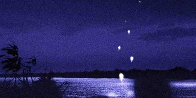 Огненные шары Наг на реке Меконг