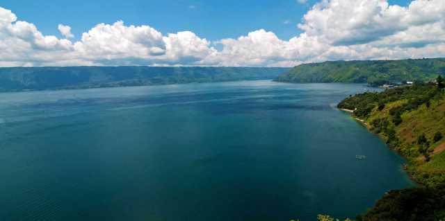 Легендарное озеро Тоба острова Суматра