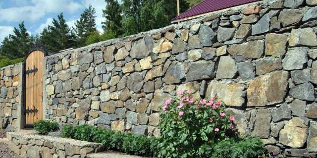 Забор - история появления ограды