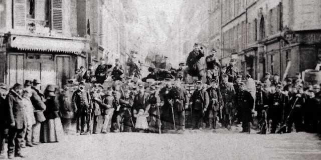 Парижская коммуна: История первого социалистического восстания