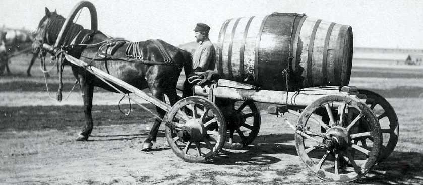Водоносы: Как работала служба доставки воды в XIX веке?