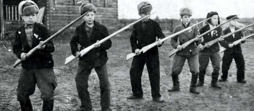 Если завтра война: Как граждан СССР готовили к обороне страны?