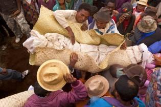 Фото: Мадагаскар — необычные ритуалы, интересные факты