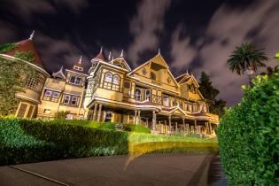 Фото: дом Сары Винчестер в Калифорнии, интересные факты