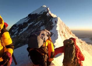 Фото: голодные духи на Эвересте, интересные факты