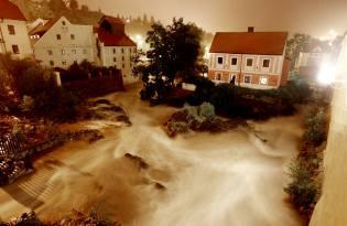 Фото: наводнение — бушующая вода, интересные факты