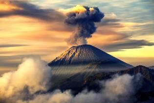 Фото: вулканы — извержение, интересные факты