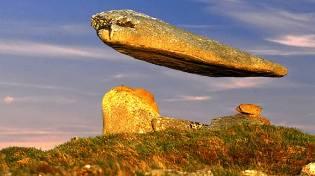 Фото: камни парящие над землёй, интересные факты