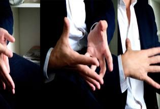 Фото: как читать жесты собеседника?