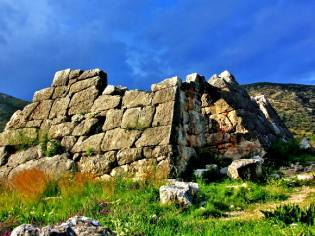 Фото: греческие пирамиды — интересные факты