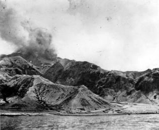 Фото: извержение вулкана Мон-Пеле, интересные факты