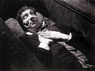 Фото: вампиры встающие из гроба, интересные факты