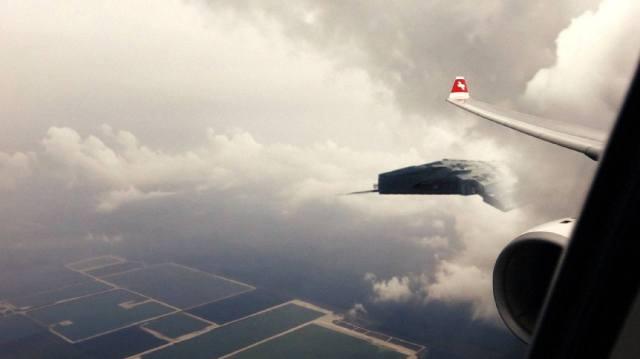 Фото: НЛО маскируются под самолёты, интересные факты