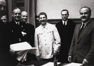 Фото: политика Сталина в Европе, интересные факты