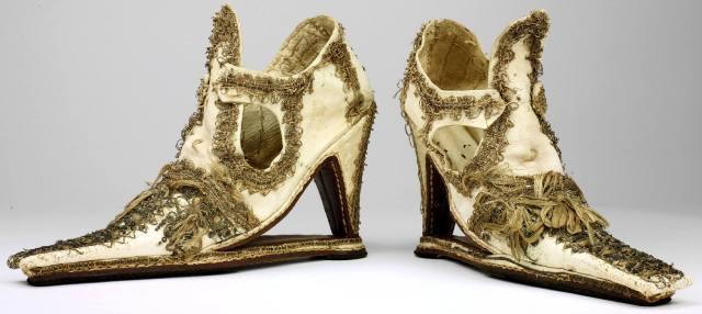 Фото: женские каблуки — история обуви