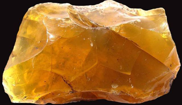 Фото: камень опал — свойства, кому подходит по Зодиаку