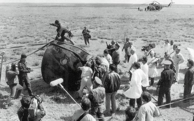 Фото: почему погиб экипаж корабля Союз-11?