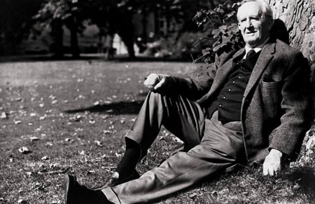 Джон Толкин и его книги: Хоббит — символ свободы