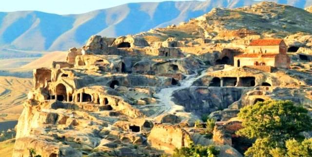 Пещерный город Уплисцихе (Грузия)