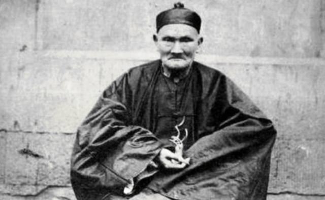 Ли Цинъюнь — 1677-1933, человек который прожил 256 лет