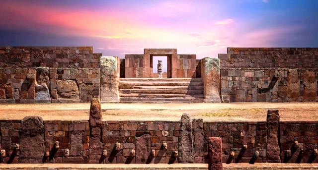 Древний город Тиауанако и звёздное небо
