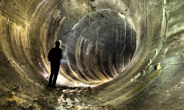 Подземные тоннели под континентами и океанами Земли