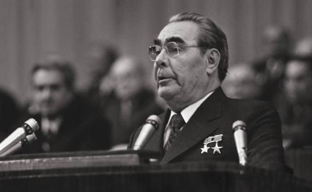 Кем были руководители СССР по профессии?