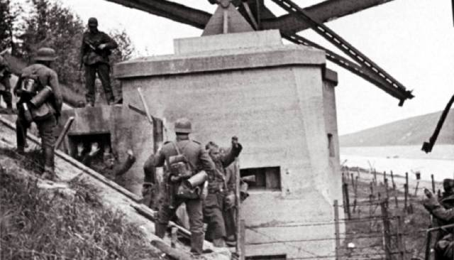 Десант на форт Эбен-Эмаль — захват крепости вермахтом