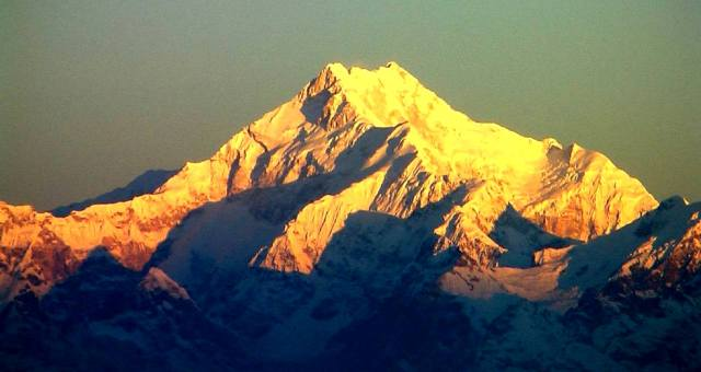 Горы Меру, Кумбхакарна и Канченджанги, кратко