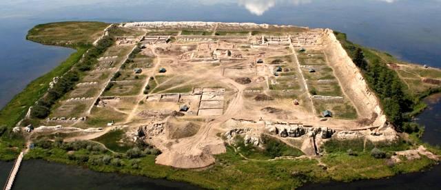 Крепость Пор-Бажын: История ворот в Шамбалу
