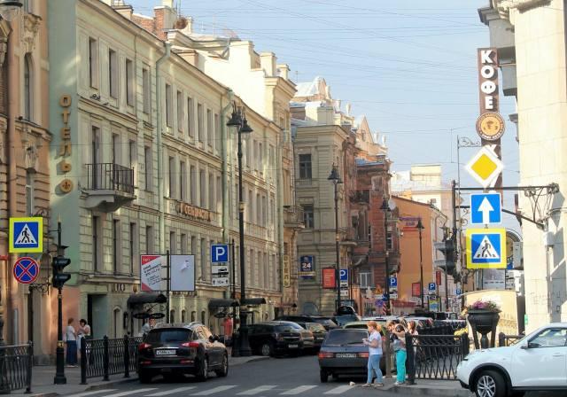 Улица Рубинштейна от Пяти углов