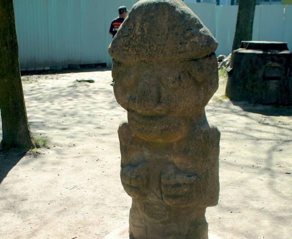 Скульптура Идола