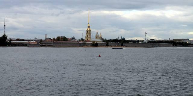 Вид на Петропавловку от Стрелки