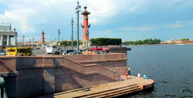 Стрелка Васильевского острова, вид с Дворцового моста