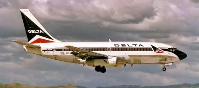 Экстренная посадка американского самолёта Delta 15 в Канаде
