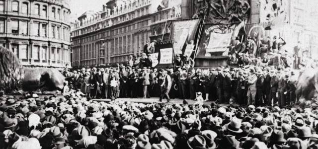 Как появились рабочие движения?