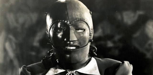 Железная маски: Кем был самый таинственный узник?