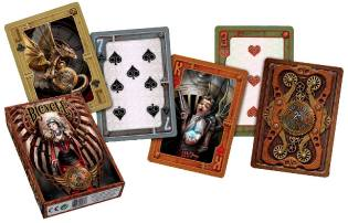 Фото: коллекция игральных карт — интересные факты