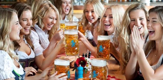 Октоберфест: Фольклорный фестиваль пива в Германии