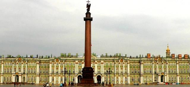 Странности памятников Петербурга