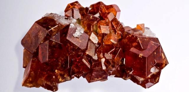 Гиацинт — свойства, кому подходит по знаку Зодиака