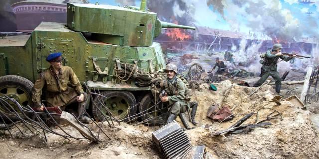 Почему в СССР скрывали подвиг Брестской крепости?
